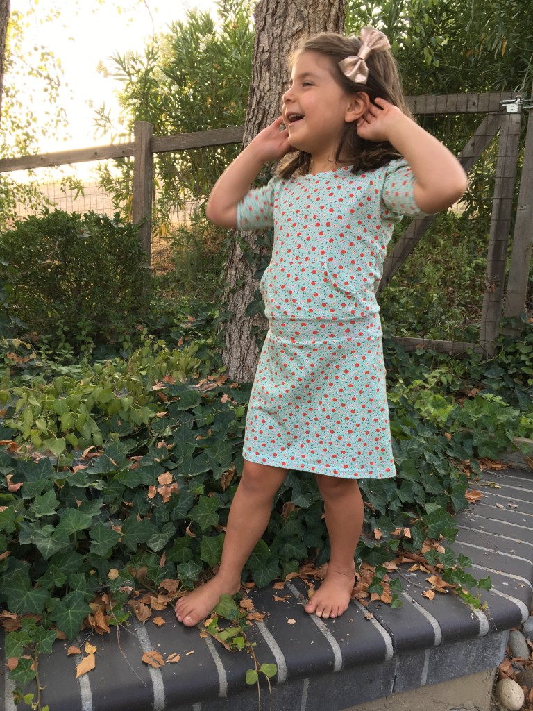 ohhowsweet.com apple farm dress